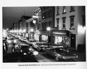 Night view of Warren Street, Hudson. Image from the Koweek Digital Photograph Collection, Hudson Area Library, 2016.