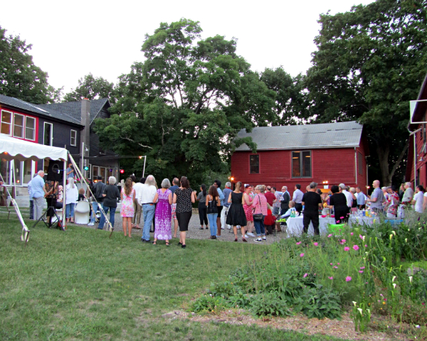 A large group of people at an outdoor event.